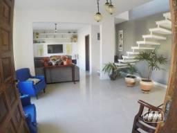 Casa com Sacada, Churrasqueira e 4 dormitórios à venda, 300 m² por R$ 800.000 - Capoeiras