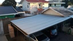 Telhado com estrutura de ferro com telhas de Brazilit
