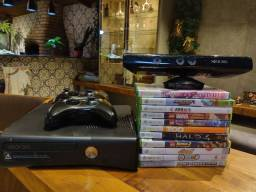 Xbox 360 + kitnet+11 jogos+2 controles