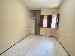Título do anúncio: A.B: Casa 2/4 Itapuã com Garagem