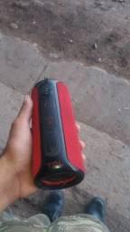 Caixa de som original prova d água valor 350 reais