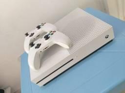 Título do anúncio: Xbox one S 1 TERA 2 controles