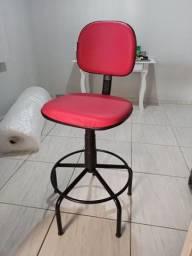Título do anúncio: Cadeira caixa Pink novinha
