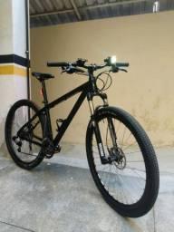 Bicicleta MTB Montain Bike 29 peças selecionadas. Sram X9, Rock Shox...