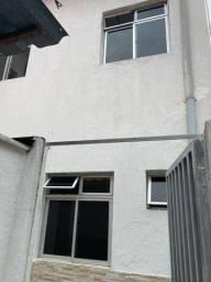 Título do anúncio: Alugo residência 2 quartos, sendo um suite