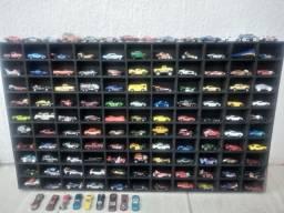 Lote de carrinhos  Hotwheels com Suporte para 110 carros