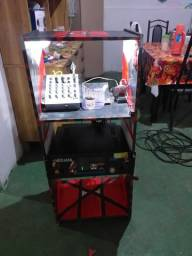 Vendo som montado  amplificador potente e mesa de som tem ótima qualidade