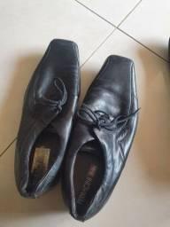 Título do anúncio: Vendo Sapato Ferracini Couro