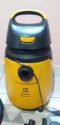 Título do anúncio: Aspirador de pó e água Electrolux GT30N, Amarelo e Preto, 220v - Semi Novo