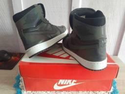 Tenis Nike  Jordan 1
