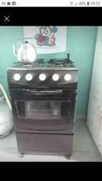 Vendo esse fogão todo bom pegar forno todo bom As 4 bocas tudo alta