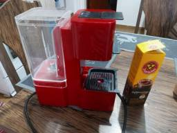 Título do anúncio: Vendo Máquina de Café Expresso