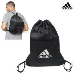 Título do anúncio: mochila de academia nike ou adidas nova últimas unidades