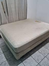 Título do anúncio: Vendo cama box tamanho Queen