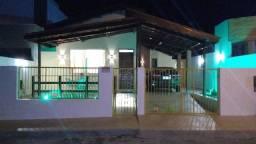 Vende-se ou troca-se casa em condomínio reformada no centro da cidade