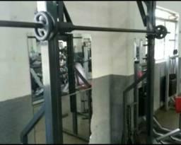Vendo aparelhagem para musculação completa 31 985781427