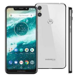Motorola One 64 GB 4 Ram