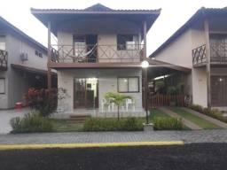 Belíssima e ampla casa mobiliada a beira mar no condomínio de luxo em Maria Farinha!