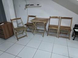 Vendo jogo de mesa com 4 cadeiras 200$
