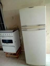 Geladeira, Fogão e Máquina de lavar.