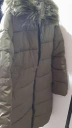Casaco de frio- bem comprido. Cor verde musgo. Bem conservado.