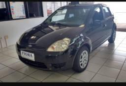 Vende -se Fiesta Sedan 2006 FLEX 1.6