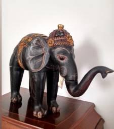 Elefante de madeira da Indonésia