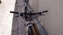 Bike aro 26 suspensão a AR proshock