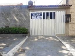 Murano Imobiliária aluga casa residencial com 02 quartos no Centro de Vila Velha - ES.