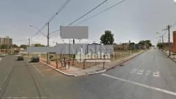 Área à venda, 3040 m² por R$ 4.560.000,00 - Centro - Araguari/MG