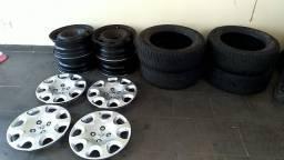 Rodas 15 com calotas e pneus original da peogeot