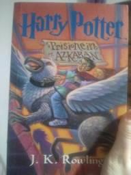 Título do anúncio: Livro harry potter e o prisioneiro de azkaban