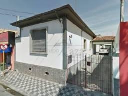 Título do anúncio: Casa / Padrão - Centro - Locação e Venda - Misto