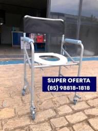Título do anúncio: Cadeira de banho fácil de montar e direto de loja *