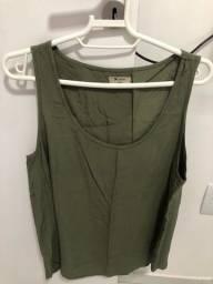 Título do anúncio: Blusa Verde Viscose tamanho M Hering - Nova