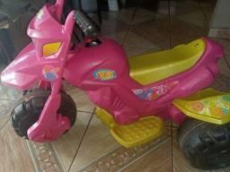 Moto infantil elétrica, Modelo Xt3. (Bem conservada)