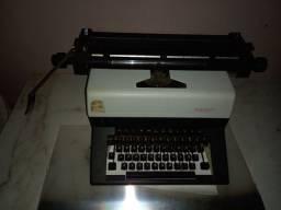 Título do anúncio: Maquina de escrever Facit