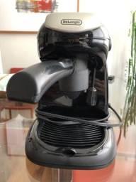 Título do anúncio: Máquina de café Expresso DeLonghi