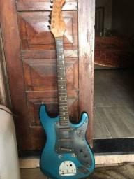 Guitarra quebrada para colecionador
