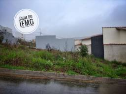 Título do anúncio: Oportunidade Terreno de 200m² Quitado no Parque Real em Pouso Alegre