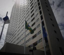 Título do anúncio: Apartamento em excelente localização e visão privilegiada do Recife, 2 quartos, sala, área
