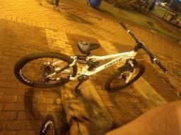 Vendo uma bike trots full