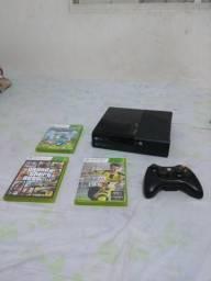 Xbox 360 com cabo HDMI