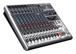 Behringer Xenyx X1832USB   Mixer 18 Canais com Efeito