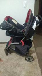 Vende-se carrinho com bebê conforto usado em bom estado,R$:300,00 reais