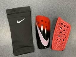Caneleira Nike Mercurial Lite Black Red