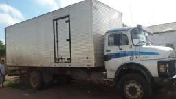 Caminhão baú, para fretes em geral,falar com Antônio no * ou Jailson * - 2019