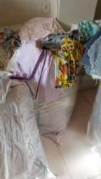 Fardos de roupas p/ brechó