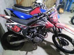 Moto trilha XR200