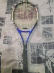 Estou vendendo essa raquete qm quiser chama no chat olhem a descrição